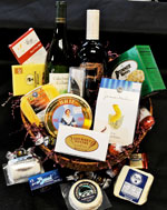 wine-lovers-gift-basket-gourmet-pantry-web